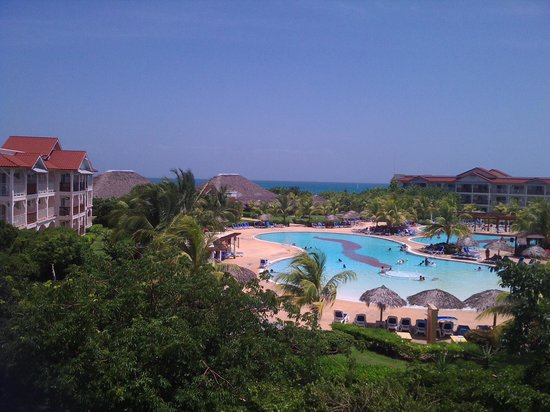 Memories Paraiso Beach Resort: view from our balcony