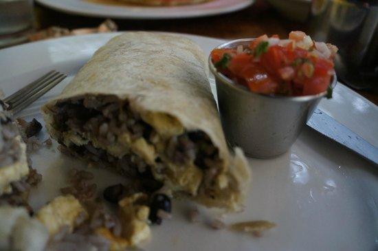El Patio De Cafe Milagro   Manuel Antonio: Mexicano Breakfast Burrito