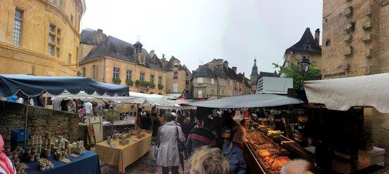 Dordogne Fellow Traveller - Day Tours: Markets in Sarlat