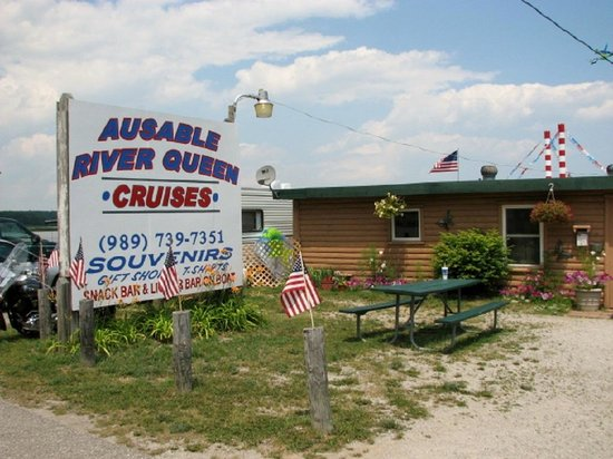 Au Sable River Queen: Trailer behind the sign