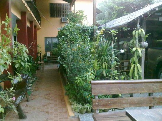 Bulskamp Inn: L'accueillante entrée