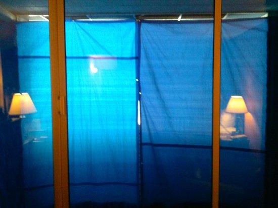 Days Inn Easton: blue room