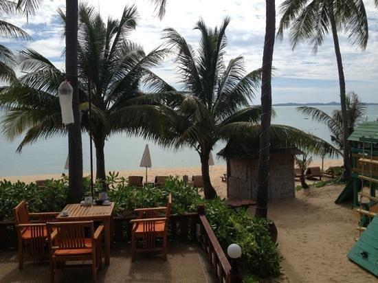 พินนาเคิล สมุย รีสอร์ท แอนด์ สปา: uitzicht vanuit restaurant