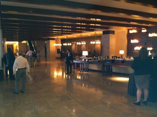 Omni Fort Worth Hotel: Omni Lobby