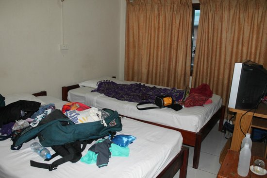 Thawee Guest House: Twin room