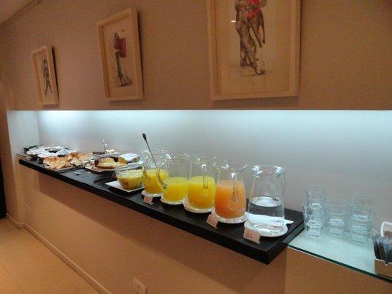 Ulises Recoleta Suites: Café da manhã maravilhoso.