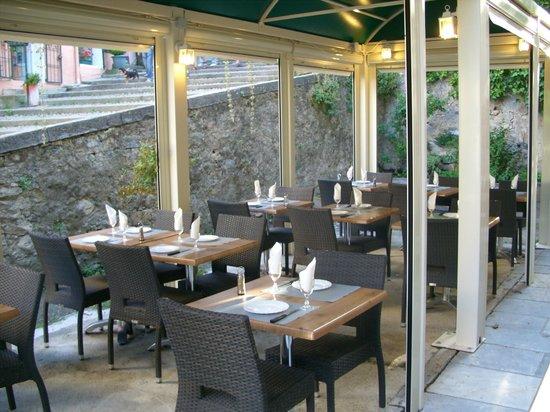 Corte, Frankreich: Terrasse