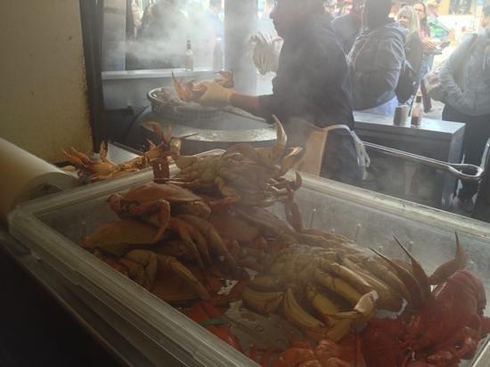 Guardino's: steaming street crab!