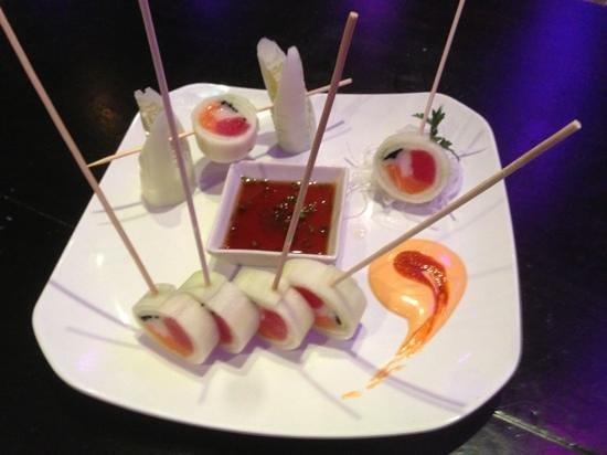 Haiku Sushi & Lounge: naruto roll
