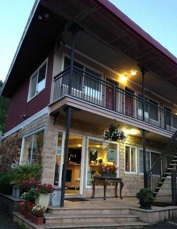 Horseshoe Bay Motel