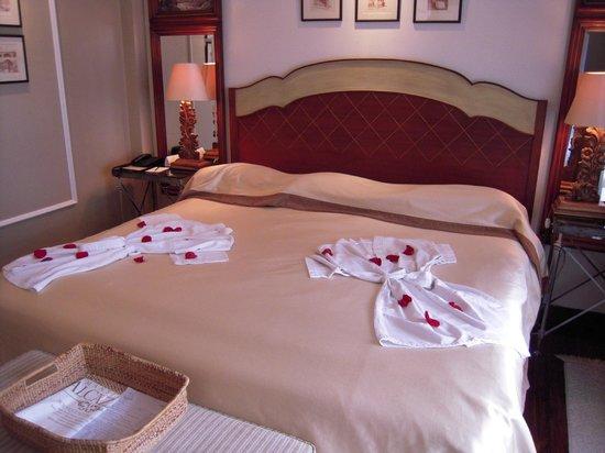 Mansion Alcazar Boutique Hotel: Comfy bed