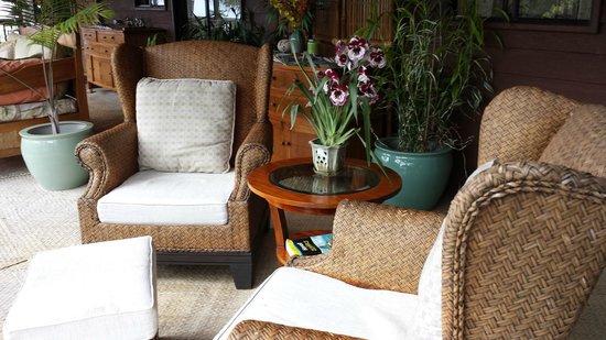 Aloha Guest House: Relaxing Lanai