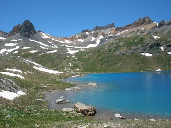 Ice Lakes Trail: Another view of Ice Lake Basin