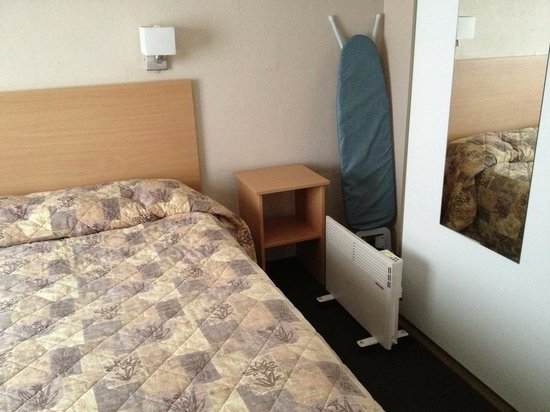 Bay View Villas : Provided facilities - Heater, ironing board and safe!