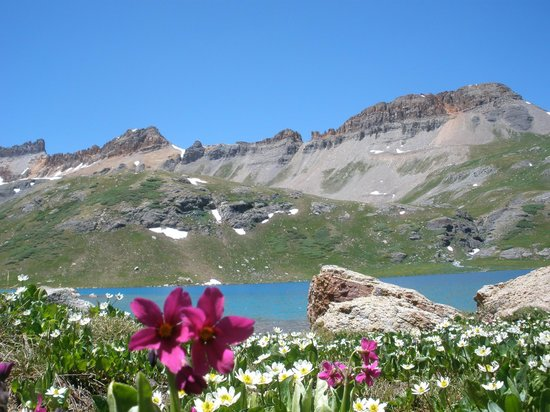 Ice Lakes Trail: Ice Lake Basin