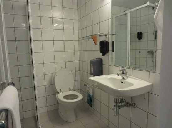 P-Hotels Trondheim : Bathroom