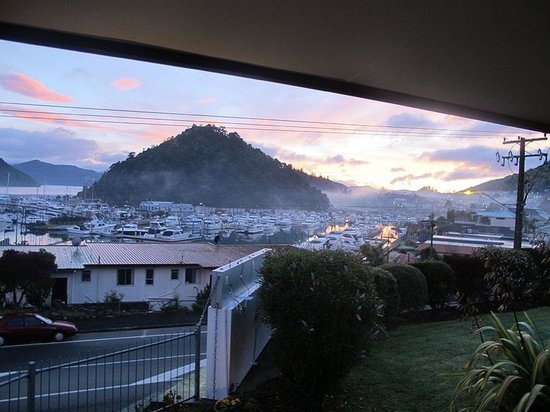 Harbour View Motel Picton: View from your room in the morning