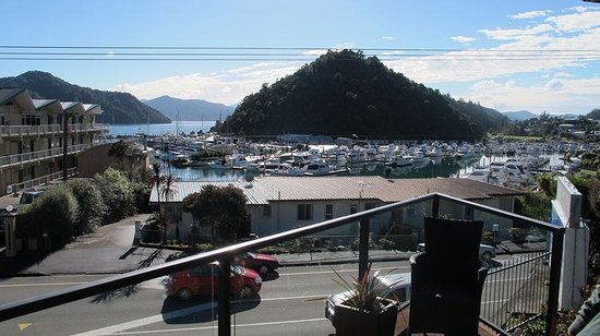 Harbour View Motel Picton: View from your room at lunch time