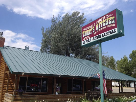 Trudy's Kitchen RV & Cabin: Restaurant View