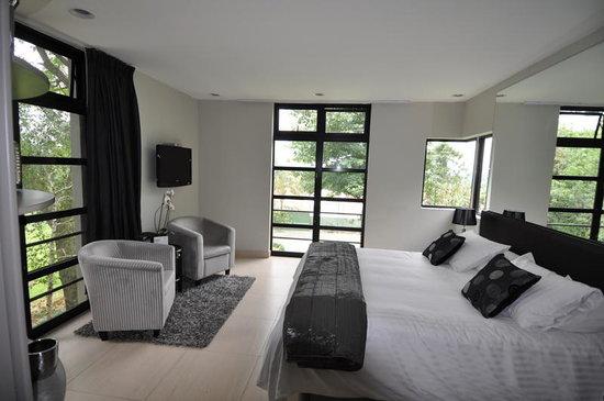 BluSwan Guest House: Blu Skyline Suite