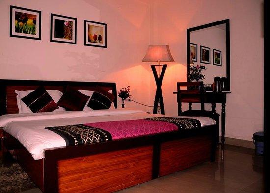 The Eden Hotel: Room