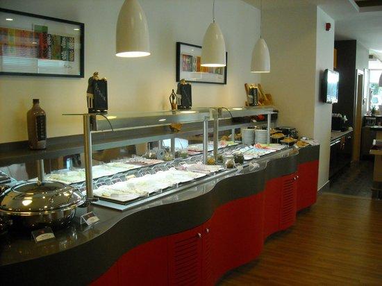 Ibis Izmir Alsancak : Breakfast buffet