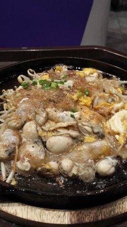Lek Seafood: hotplate oysters