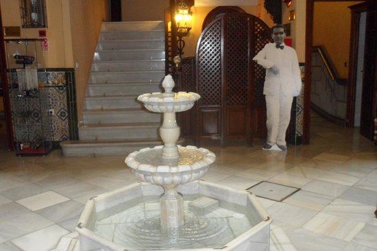 Reina Cristina Hotel: Recepção
