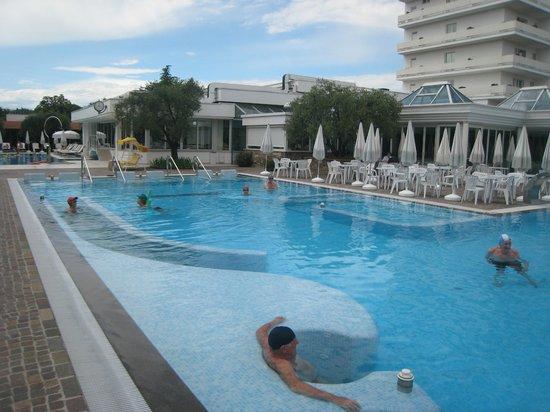 Hotel Terme Tritone Thermae & Spa: vue de la grande piscine