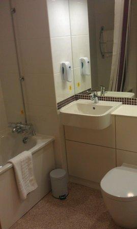 Premier Inn Llandudno (Glan-Conwy) Hotel : Bathroom