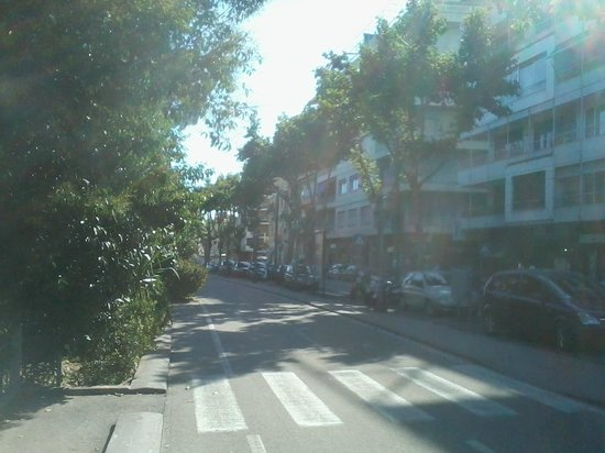 Hotel Eletto : vue de la rue principale