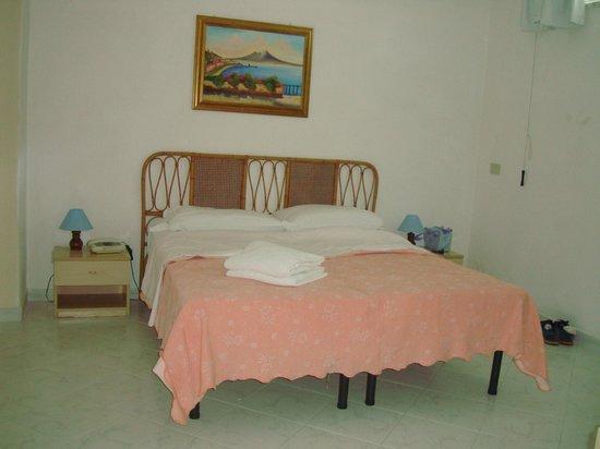 Hotel Baia Verde: letto