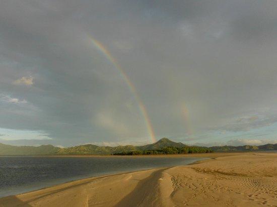 Nukubati Private Island : Double Rainbow From Sandbank Picnic