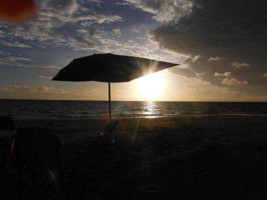 Nukubati Private Island : Sunset at Sandbank