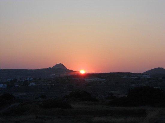 Iliana Rooms & Apartments: tramonto dalla terrazza