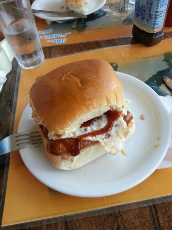 24/7 The Chill Out Place : Sausage Buttie