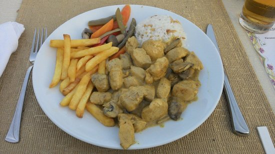 Samira Resort: Chicken & Mushroom Curry....lovely