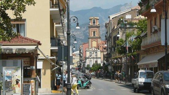Street view picture of corso italia sorrento tripadvisor for Corso arredatore d interni roma