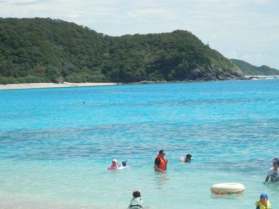 Zamami-jima Island : どこまでもコバルドブルーの美しい海と真っ白な砂浜