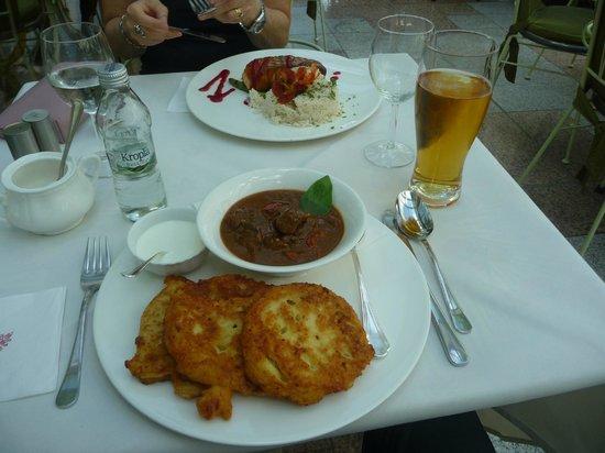 Pensjonat Jana Pawla II: Cibi del ristorante