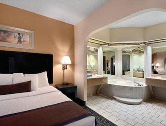 Days Inn Monticello : Jacuzzi Suite