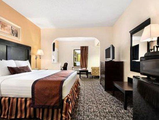 Days Inn Monticello : King Suite