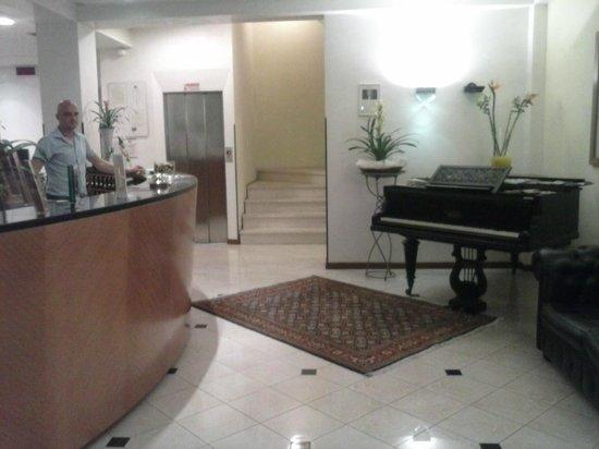 Hotel Arcangelo: La Hall