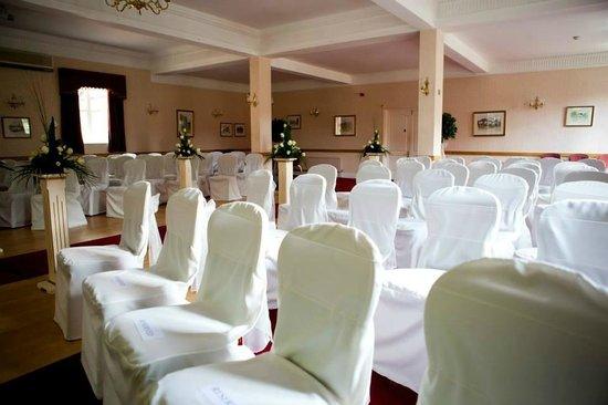 Glen-yr-Afon House Hotel: Ceremony Set up