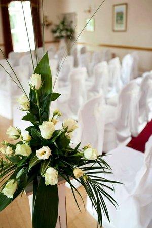 Glen-yr-Afon House Hotel: Ceremony