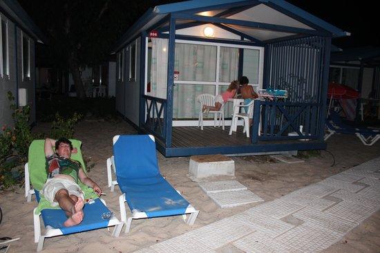 Parque de campismo Orbitur Ilha de Armona: Foto Bungalow