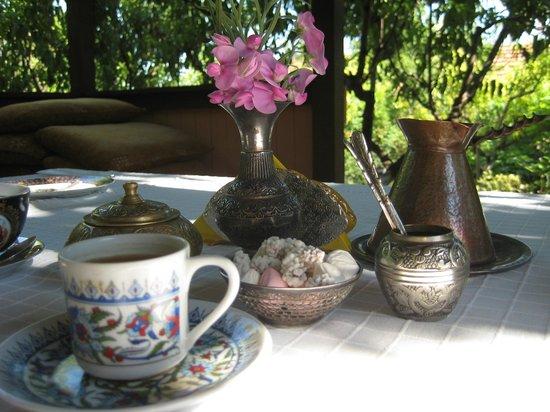 Bahitgul: Сервировка стола для завтрака