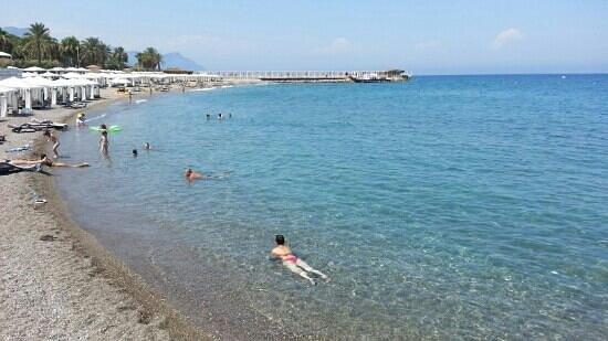 Rixos Sungate: midle beach
