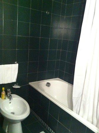 Grand Hotel Oriente: Bath