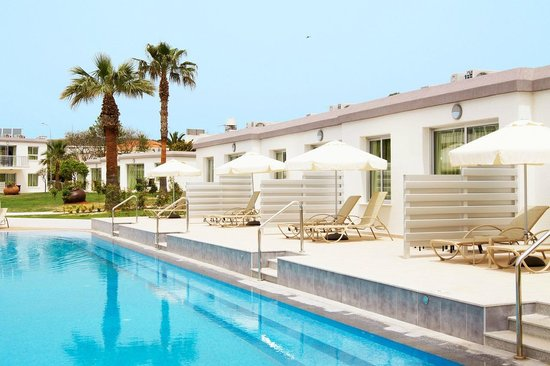 Sunprime Ayia Napa Suites: Swim Out Rooms